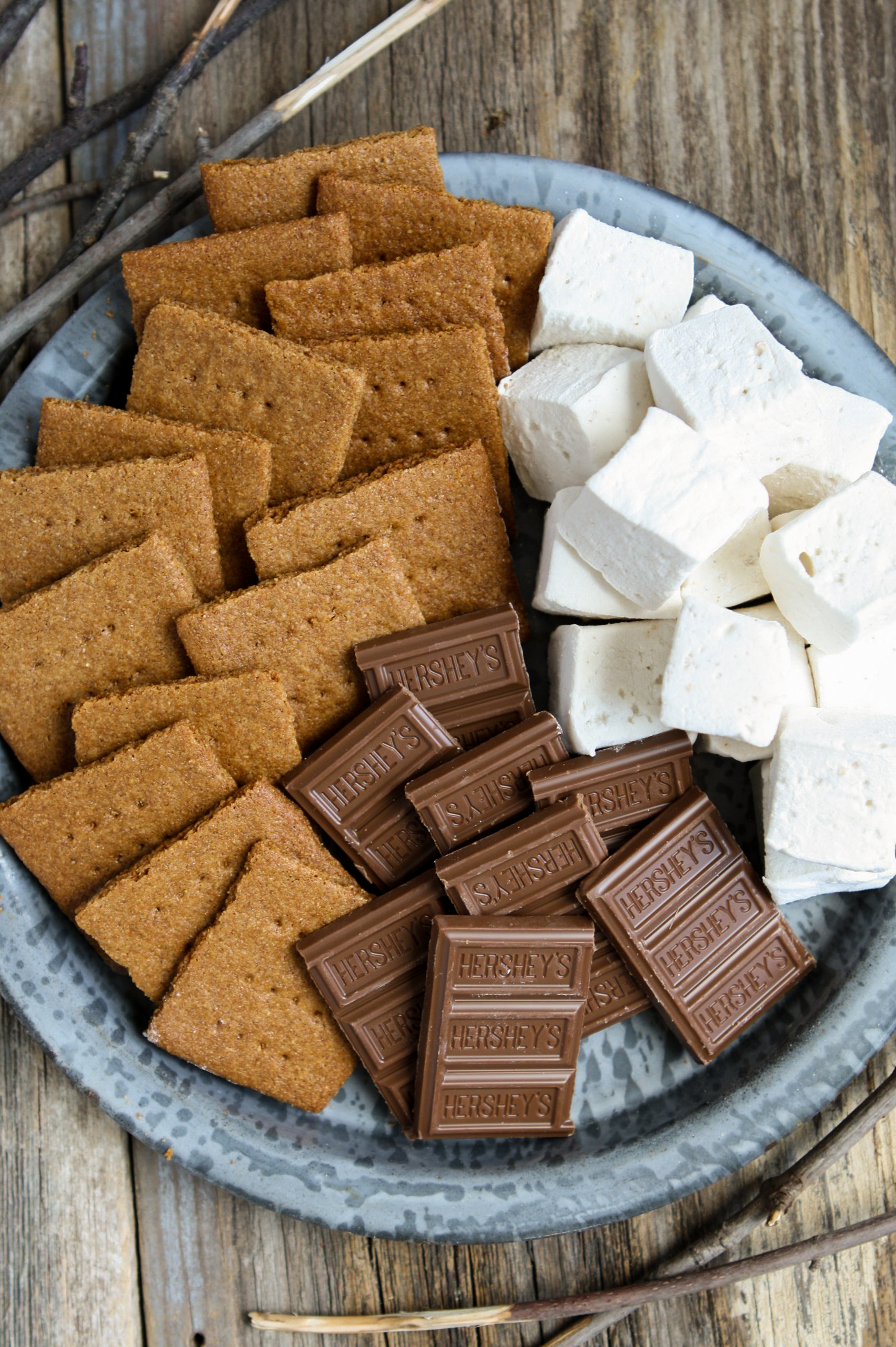 Homemade s'mores with Whole-Grain Graham Crackers + Honey & Cardamom Marshmallows | Zestful Kitchen